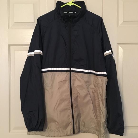 8928f2b13499 Vintage 90 s Nike Windbreaker Jacket Navy Tan L. M 5aa0189205f4305d0475bf63